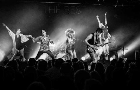 ENERGISK: Tina - Simply The Best leverer et forrykende show. Lørdag 28. september kommer showet til Aurskoghallen. FOTO: RUNE CHRISTIANSEN