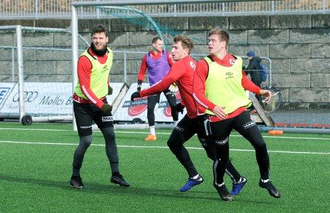 TIL SØRLANDET? Rogvi Baldvinsson (f.v.), Igor Spiridonov, Joacim Holtan og Pål Aamodt håper årets første treningskamp blir spilt lørdag.