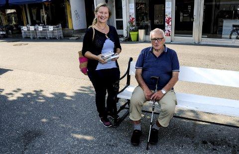 Sammen: Hanne Riser fra Kystbokhandlen og Petter Pihl fra Berg–Kragerø museums venner arrangerer «nyttevekst-dag» på Berg.