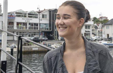 To konserter: Onsdag synger Mia Brubakken på Jens Lauersøns plass i forbindelse med byfesten, torsdag på Skåtøyfestivalen.