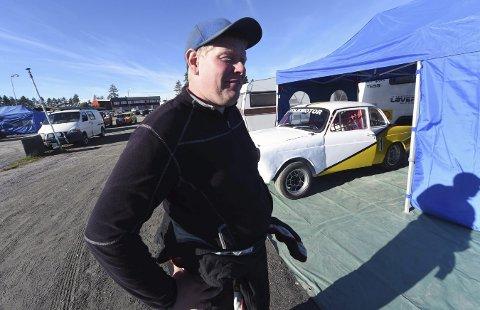 PÅ START: Kim Andre Teigen er til vanlig løpsleder på Basserudåsen når det er bilcrossløp.