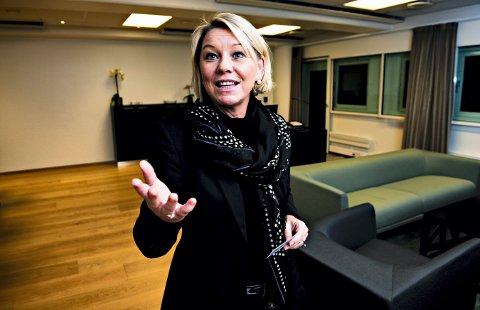 PRESISERER: Monica Mæland mener at sentralisering av namsmannstjenestene i Sør Øst politidistrikt, vil bidra til bedre tjenester.