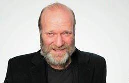 FORESTILLING: Skuespiller Ingar Helge Gimle kommer til musikkteateret lørdag.