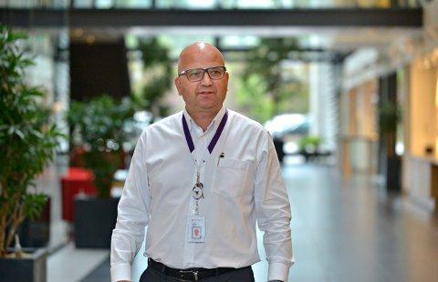Lars Ole Bjørnsrud, kommunikasjonsdirektør i FMC Kongsberg Subsea, sier at TechnipFMC skal nedbemanne med 350 stillinger sammenlignet med hvor mange de var ved nyttår.