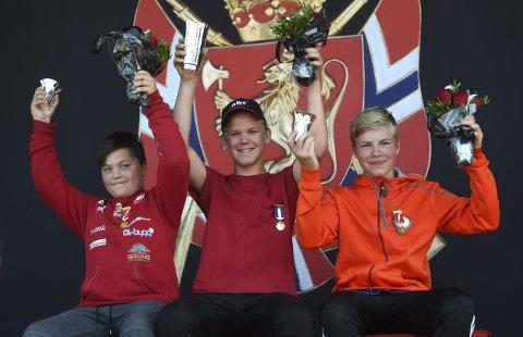 BRONSE: Flesbergingen Eirik Navelsaker (t.h.) ble nummer tre i rekruttenes felt finale. Vant gjorde Olav Rudland, Ringebu og Fåvang, og sølvet gikk til Even Fladvad, Nordre Skage.FOTO: OLE JOHN HOSTVEDT