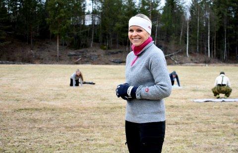 TILFREDS: Irene Lie er fornøyd med utetreningstilbudet til Release Dans og Trening. Denne uka har de tilbudt 106 plasser gratis utetrening på Heistadmoen.