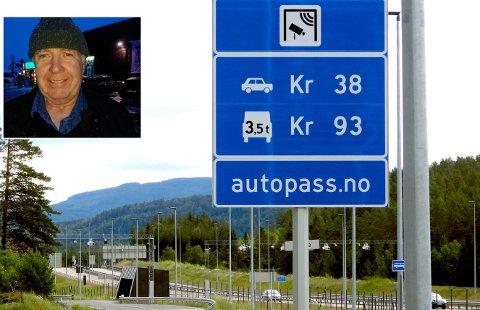 Oppgitt: Cirka en gang i uka har Pål Moe et kjapt ærend i Kongsberg. Han passerer da to bommer tur retur på under en time. Han