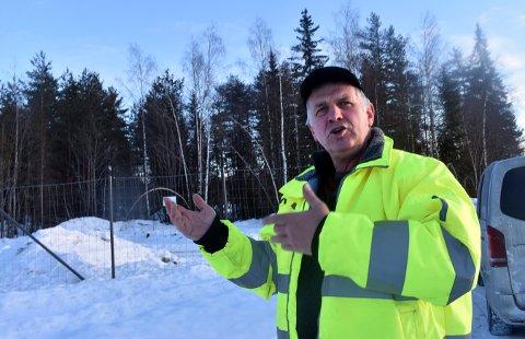 OPTIMIST: Per Erik Bergan fra Fiskum har tro på at politikerne lar McDonalds få bygge ny restaurant på tomta hans.