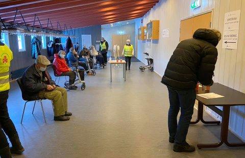35 PROSENT: 35,8 prosent av Flesbergs befolkning har fått første vaksinedose. Denne uka ble det gitt 234 vaksinedoser på samme dag.