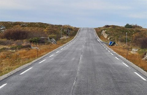 Asfalt: Trøndelag fylkeskommune lyser ut asfaltkontrakt for over fire mil med fylkesveg i Namsos kommune.