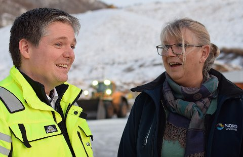 SAMARBEIDSPROSJEKT: Proskjektleder Berit Skorstad ser fram til å komme til Namdalen for å snakke om urban mining. Her er hun sammen med Harald Willumsen Østbø i Iris Salten IKS, som sammen med blant andre MNA er et av renovasjonsselskapene som er med på prosjketet.