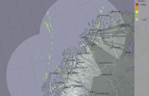 Værradar over Troms og Finnmark søndag kveld. Et svakt lavtrykk ute i havet er eneste spor etter vinter.