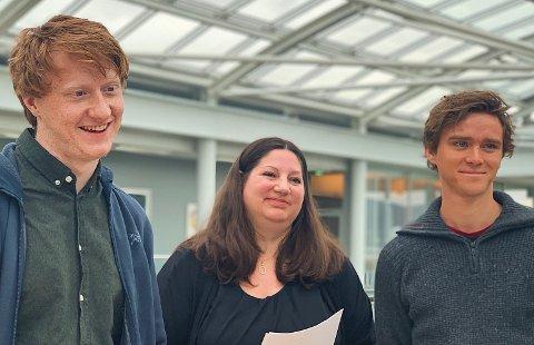 FOR OPTIMISTISK: Bendik Hugstmyr Woie (R), Tone Marie Myklevoll (Ap) og Benjamin Notkevich (SV) ber om en ny skytebaneplan i 2020. For optimistisk, mener administrasjonen.