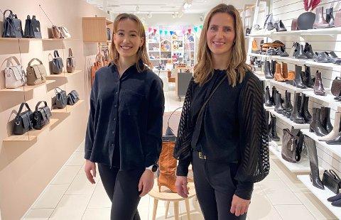 IDINESKO: Torsdag åpnet Nina Wikestad den nye avdelingen. Her står hun sammen med student og deltidsansatte Frida Olsen (t.h.).