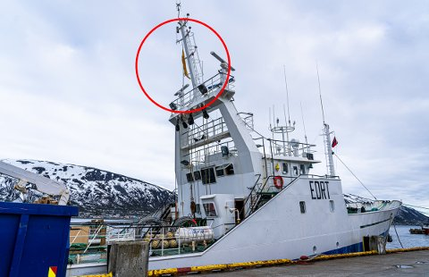 GULT FOR Q: Det gule flagget viser bokstaven q, og er ment som en hyggelig gest fra «Arosa Nueve» til Tromsøs befolkning.