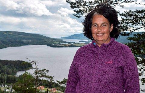 USIKKERHET: Ordfører Anne Hagenborg og resten av de folkevalgte i Søndre Land vil vite mer om konsekvensene for kulturlandskapet langs Randfjorden før de vil uttale seg om forslaget.