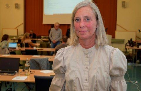 BARNEVERNSLEDER: – Slik økonomien for 2022 ser ut nå, må vi kutte fire saksbehandlerstillinger i tjenesten vår neste år, sier barnevernsleder Åse Bjorbækmo.