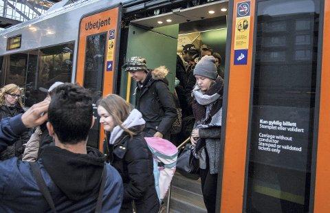 AVSTIGNING: Det kan bli billigere å pendle inn til Oslo fra Follo.