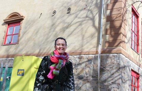 MANGE I KARANTENE: Utbruddet på Kolbotn skole fortsetter å øke i omfang. Nå er 85 personer satt i karantene. Her er rektor ved skolen  Kristin Hovde Høidal.
