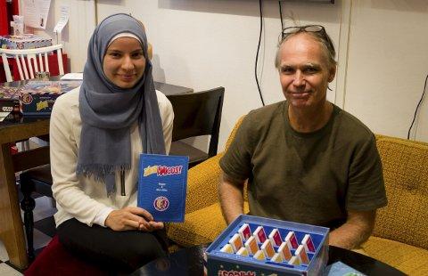 Samarbeid: Nour Abu-Rashid fra Norsk Folkehjelp og Lakki Patey, idéhaver til New Amigos på Frivilligsentralen fredag.