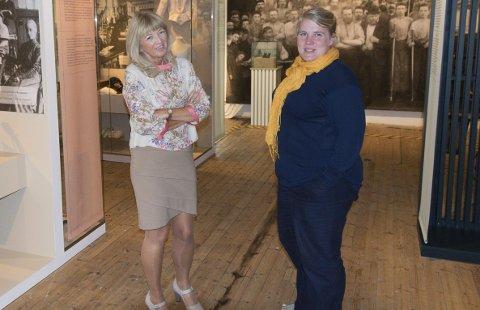 Byhistorie: Daglig leder Aina Aske og rådgiver Ane Ringheim Eriksen ved Larvik museum er fornøyd med at lokalbefolkningen bruker museet så mye, men ser en utfordring på turisttrafikk.foto: per albrigtsen
