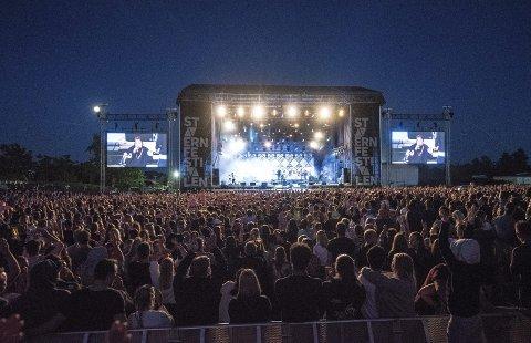 Vokser: Stavernfestivalen vokser mye etter flyttingen til Larvik Golf Arena. Nå søker de etter ny daglig leder som et ledd i ny organisering av festivalen.arkivfoto