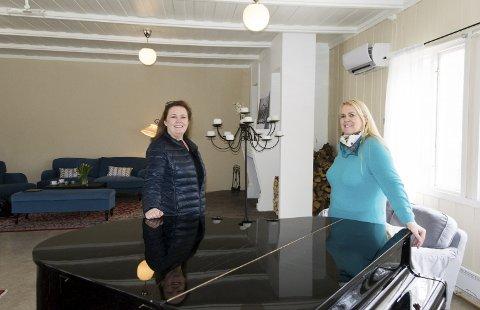 Soldathjemmet:  Kjersti Haugland og Christine Rahn avvikler driften av Stavern aktivitetshotell, men hotelldriften fortsetter. Foto: Per Albrigtsen