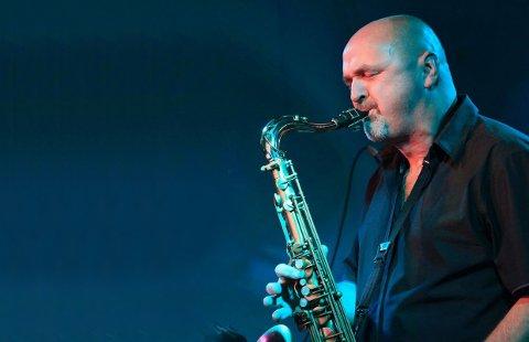 SAX: Fredag kan du oppleve Adam Wendt og saksofonen på Sanden scene