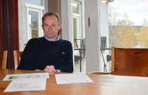 NEI TIL BUNNFRADRAG: Kommunedirektør Kristian Trengereid anbefaler politikerne i Elverum å si nei til bunnfradrag i utregningen av eiendomsskatten.