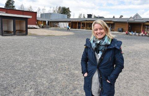 IKKE PLASS: Rektor Ragne Harviken på Vestad skole kan ønske brorparten av elevene tilbake på skolen. Hva har de siste ukene med hjemmeundervisning egentlig betydd?