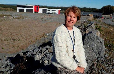 EXTRA: Direktør Anne Berg Behring forteller at Coop Vestfold og Telemark har bestemt at det blir en Extra-butikk på tomta de har kjøpt ved rundkjøringa ved Dr. Munksgate i Hovenga.