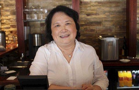 SOLGT: Yu Feng selger Peking House, men skal jobbe der videre.