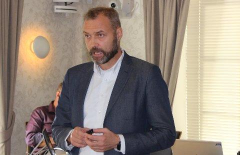 Kommunedirektør Geir Bjelkemyr-Østvang i Bamble kommune orienterte administrasjonsutvalget om rapporten i varslingssaken. Han kan ikke kommentere rapporten offentlig.