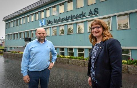 Arve Ulriksen, administrerende direktør for Mo Industripark og fylkesråd for næring, Ingelin Noresjø (KrF).