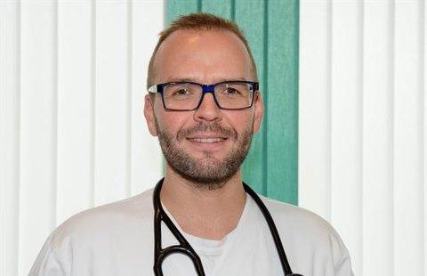 Lungelege Brynjar Andreassen er med i et større EU-prosjekt som skal bruke kunstig intelligens for å oppdage og følge med på covid 19-sykdom.