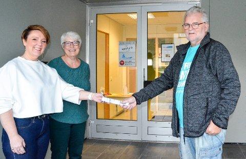 May-Liss Bottolfsen overtar stafettpinnen etter Stein E. Hovind, kan titulere seg som daglig leder ved Rana Frivilligsentral. Det hele overvåkes av styreleder Kirsti Nielsen.