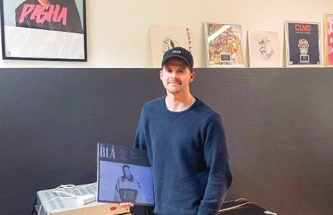 Det beste Fredrik Børstad vet er å dra på festivaler og konserten. Det siste året har gått sakte for 22-åringen.
