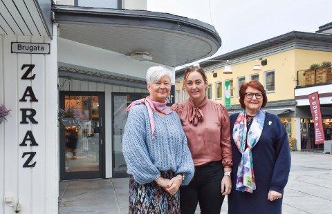 EN GOD DEAL: Mona Esbjørnsen Lierhagen, Ann-Kristin Lierhagen og Elin Paalsrud beskriver det hele som en god deal.
