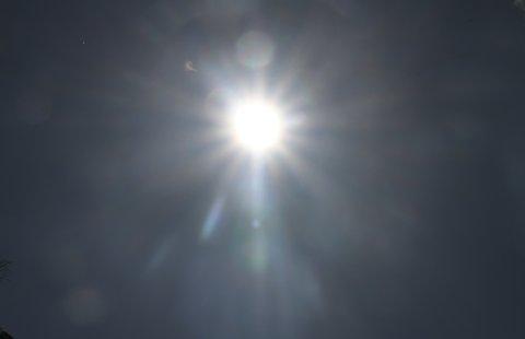 SOL, SOL OG SOL: Værmeldingen de neste 10 dagene lover bare skyfritt og vindfritt vær fra onsdag av.