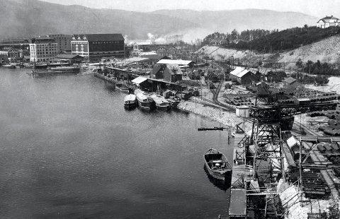 På Notodden ble det bygget en egen Rjukan-brygge for omlasting av varer til og fra Rjukan. Foto : Hydro / NIA
