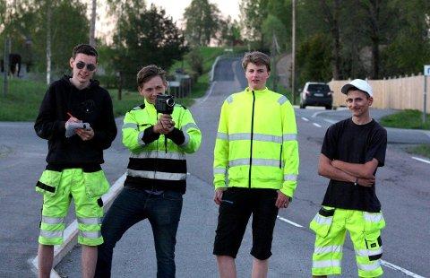 Eirik Feragen (f.v.), Jens Kristian Liaker, Fredrik Olsen og Tor Martin Hoftvedt holdt sin egen «radarkontroll» tirsdag kveld.