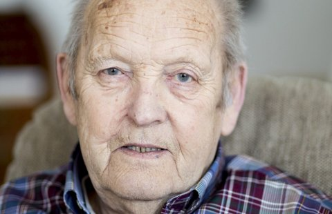 Nils Fagerjord (85) husker detaljert fra oppveksten i Lillestrøm på 30- og 40-tallet. Nå har han skrevet ned alt, og heftet «Guttunge i Flisbyen» gir et stemningsfullt og troverdig bilde av hvordan det var å vokse opp i byen som nå vokser seg større og større for hver dag som går.FOTO: TOM GUSTAVSEN