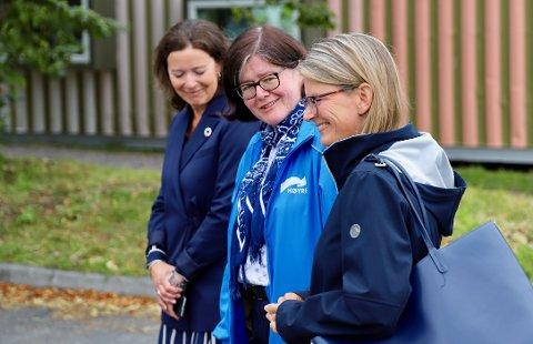 STERKE: Høyre-kvinner (f.v.) Kari Sofie Bjørnsen, fylkesordfører Anette Solli og Asker-ordfører Lene Conradi.