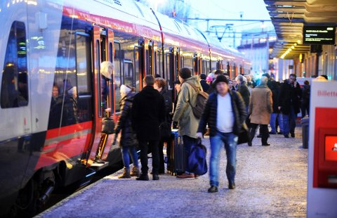 BRÅBREMS: Regjeringens forslag til statsbudsjett har ført til full brems i planleggingen av dobbeltspor sør for Tønsberg. Over 200 innleide konsulenter har fått beskjed av Jernbaneverket om å pakke ned prosjektet de har jobbet med siden 2015.