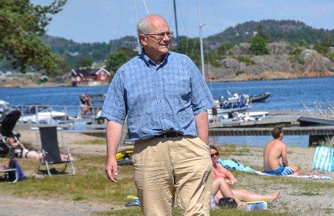 LYDHØRE: – Det viktige er å være lydhøre overfor nasjonale myndigheter, sier kommuneoverlege Ole Henrik Augestad.