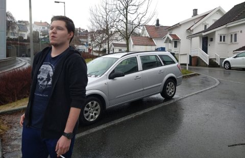 Karol Rzepecki (20), som går på Gand videregående skole, sier at problemet kunne vært unngått dersom de hadde hatt et alternativ.