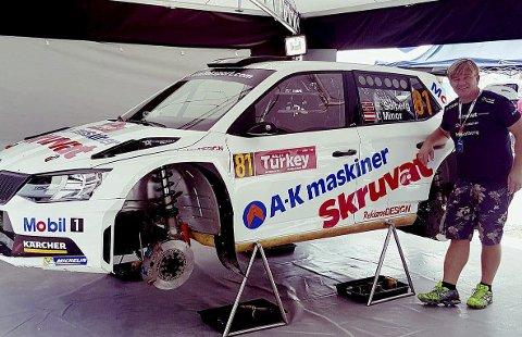 STORT GLIS: Henning Solberg gjorde et sensasjonelt comeback i rallysammenheng, da han kjørte inn til sjetteplass i Rally Tyrkia – det i en R5-bil med langt lavere ytelser enn konkurrentenes WRC-biler.                  FOTO: PRIVAT