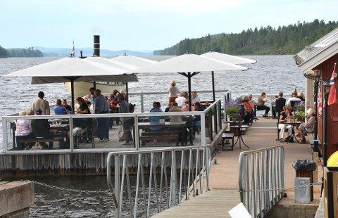 SMITTE: En ansatt ved Sluseporten Båtcafé har testet positivt for koronaviruset.