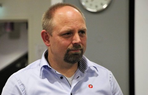 KOMMUNENS FREMTID: Petter Korneliussen påpeker at barna er kommunens fremtid og at det er viktig å sikre maskiner og utstyr som kan være farlige.