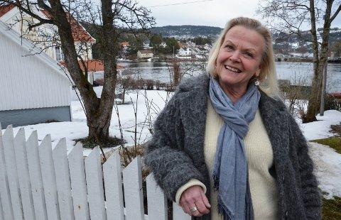 GLAD I Å RYDDE: Tove Strøm har startet selskapet Ryddiologi i Svelvik, og ønsker å hjelpe privatpersoner og bedrifter med å få orden på ting.